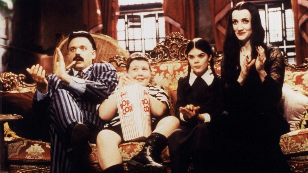 Imagen de la serie «La nueva familia Adams», en la que aparece una de las hijas, Miércoles