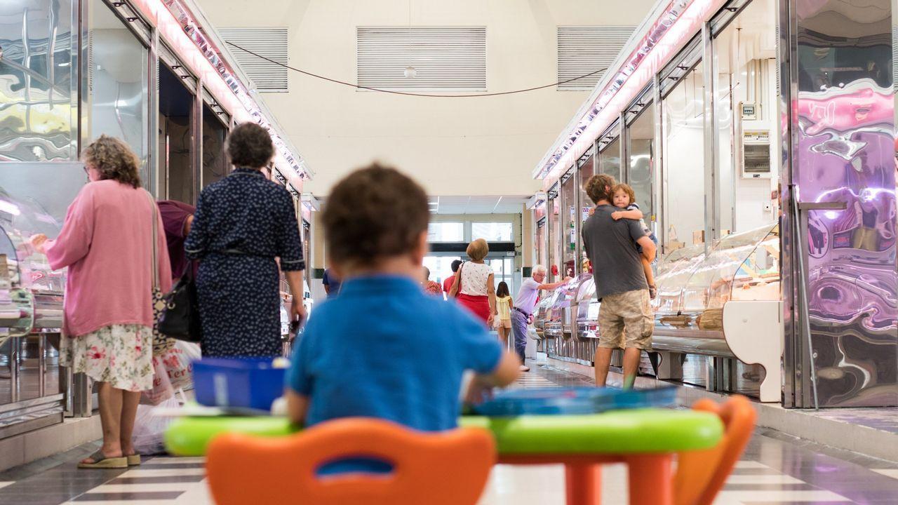 El Mercado de A Magdalena comenzó a abrir los viernes por la tarde el pasado mes de septiembre