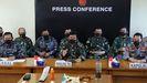 El jefe militar indonesio Hadi Tjahjanto comparece en rueda de prensa para informar sobre el submarino desaparecido