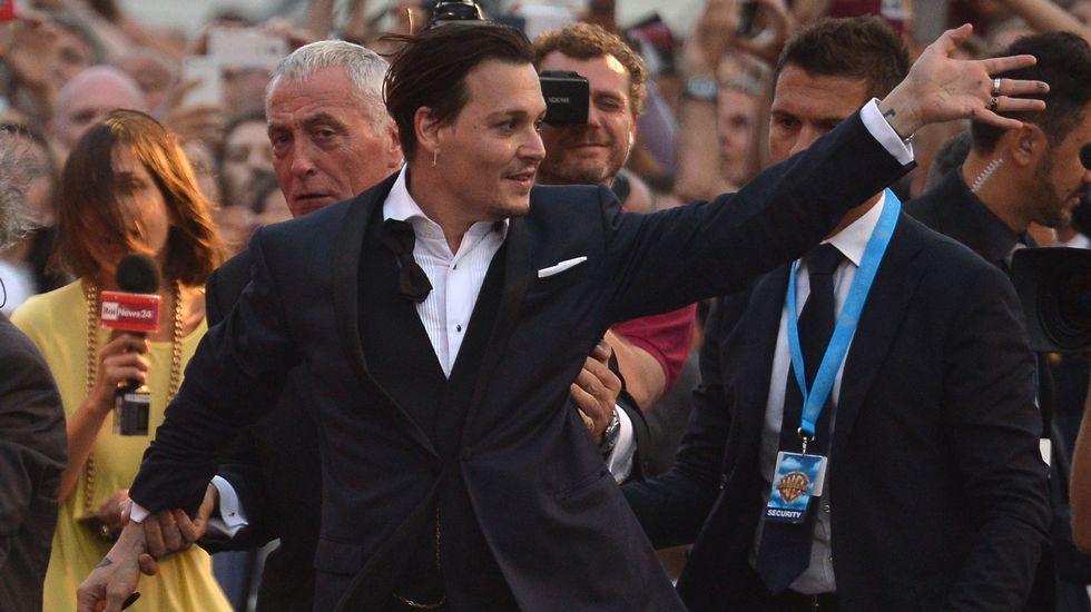 Así interpreta Johnny Depp a Donald Trump.Los actores Anna Faris y Anthony Mackie, anuncian las nominaciones.
