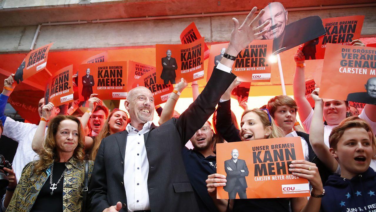 Regresan los temblores de Merkel durante un acto oficial.El candidato de la CDU celebra el triunfo en Bremen, feudo del SPD desde hace 73 años