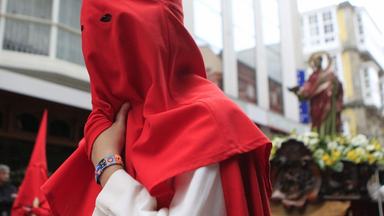 Lunes Santo   Procesión de Cristo Rey y la Virgen de la Amargura. Cofradía de Dolores