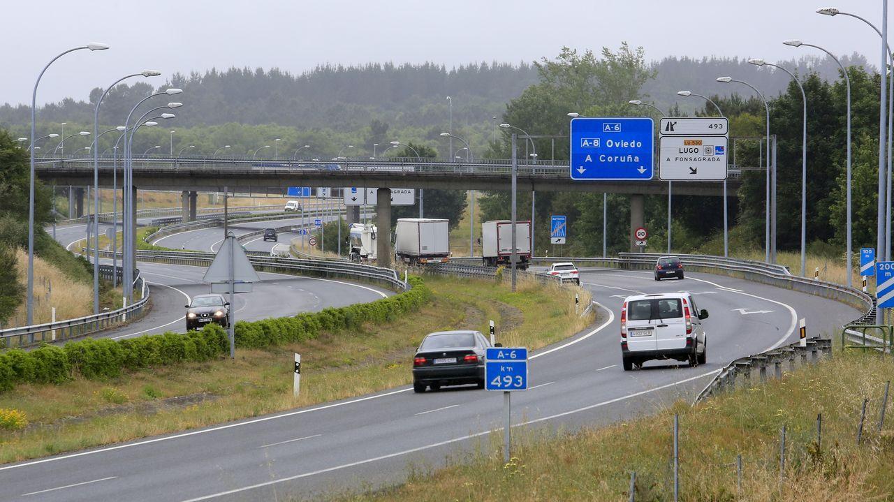 Arranca un Arde Lucus pasado por agua.Vista de la autovía del Noroeste (A-6) en Lugo, cerca del acceso que enlaza con la carretera de A Fonsagrada