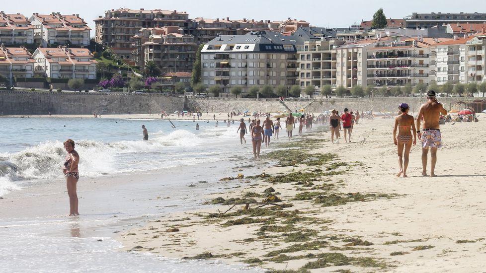 Playa de Retorta, en Boiro.Playa de Baltar, en Sanxenxo
