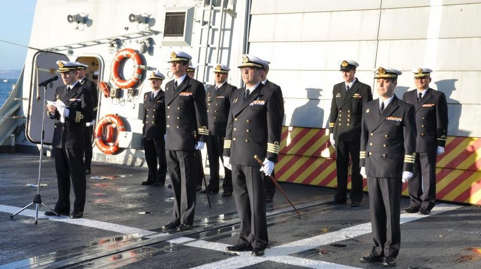 Cambio de mando en la fragata «Almirante Juan de Borbón»