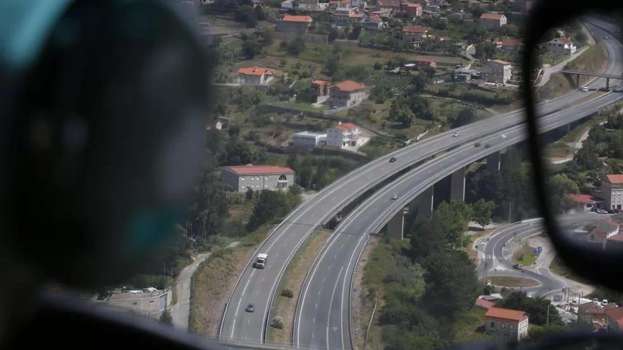 Imagen aérea de la AP-9 desde el radar del Pegasus, en dirección a Pontevedra