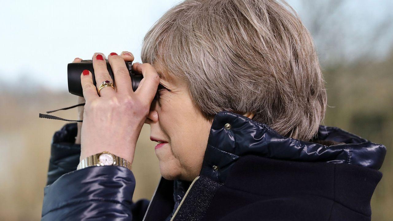 Ben Bradley, con Theresa May