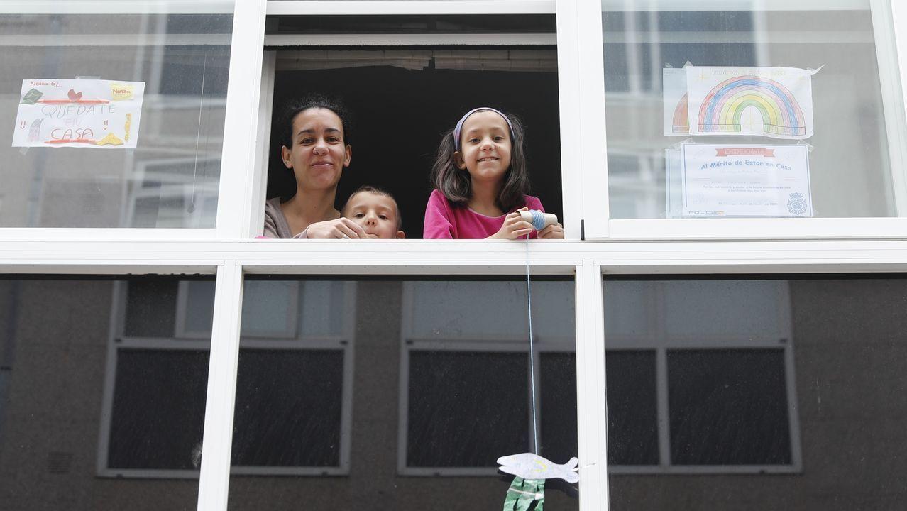 Vecinos de la calle 8 de marzo, en el barrio de Peliquín