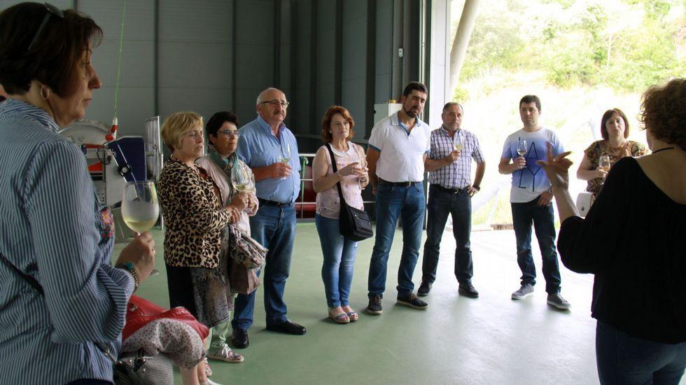 Así es el albergue Monasterio de Moraime.Participantes en las jornadas de puertas abiertas de la Ruta do Viño de Valdeorras