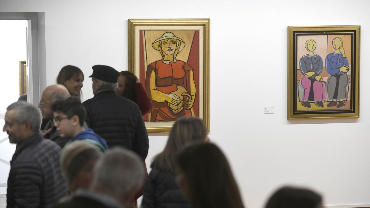Dos de las obras de Seoane expuestas en Lalín, el día de la inauguración de la muestra
