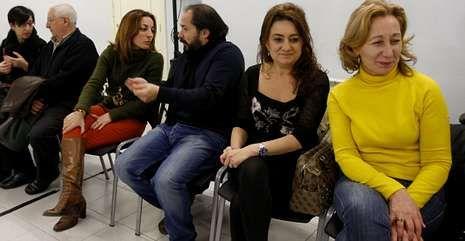 <span lang= es-es >Edilas en la ejecutiva provincial</span>. Mónica Vázquez y María Devesa, a la derecha de la imagen, faltaron ayer a la cita del grupo municipal y asistieron a la ejecutiva provincial el lunes.