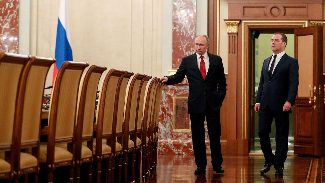 El vicepresidente de Derechos Sociales, Pablo Iglesias, a su llegada al Palacio de la Moncloa para asistir al primer Consejo de Ministros de coalición presidido por Pedro Sánchez