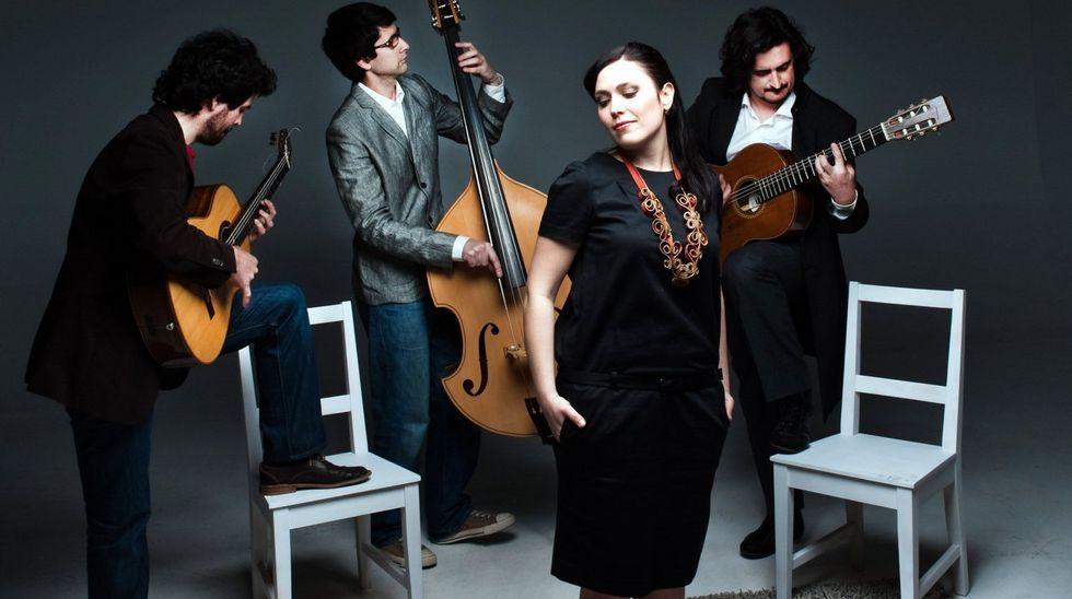 Los espectáculos más exitosos de la oferta musical de Ferrol del año pasado.Ana Torroja y Jose María Cano, durante su concierto de 1989 en María Pita