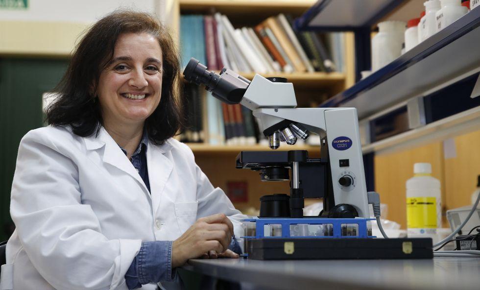 Es profesora en la UDC, pero María José Servia hizo su tesis en Santiago sobre el río Sar.