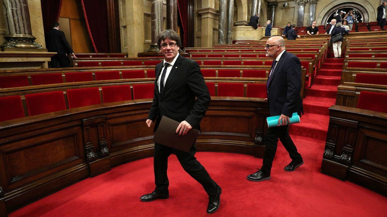 Puigdemont tras su intervención en el Parlamento catalán el día que proclamó la independencia