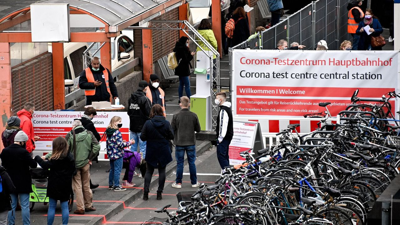 Pruebas para realizar el coronavirus en una estacion móvil de Colonia