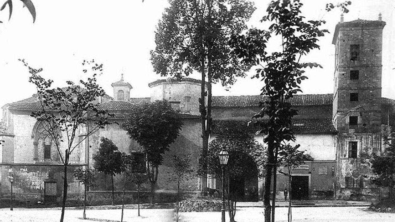 La iglesia y convento de San Francisco de Oviedo, un complejo histórico derribado en 1902 que estaba entre las calles Fruela y Santa Susana