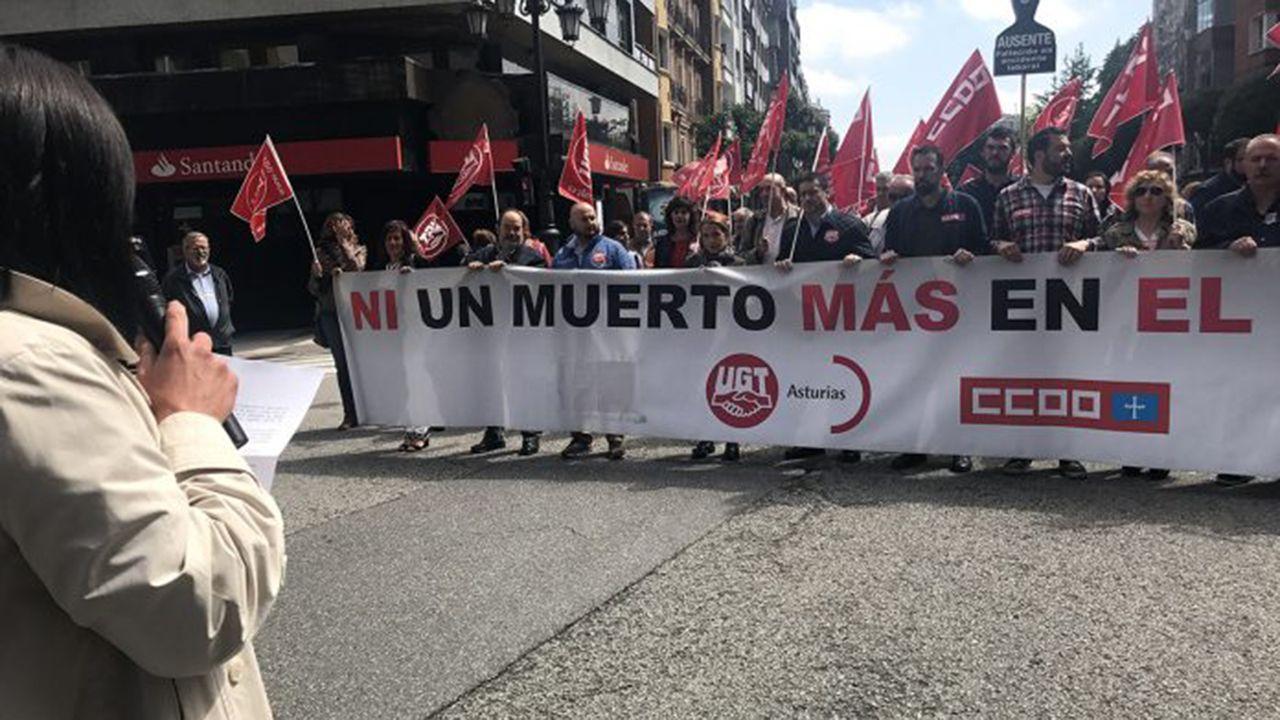 Vista general de la cárcel de Asturias.Concentración de los sindicatos exigiendo más seguridad en el trabajo