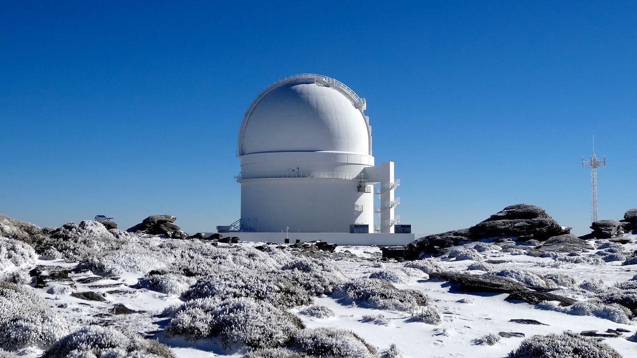 El exoplaneta que redefine los paradigmas científicos sobre la formación de sistemas planetarios.La nube contaminante sobre Gijón y Carreño que denuncia la Coordinadora Ecoloxista