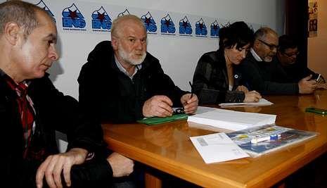 Regueira, Noceda, Pontón, Antelo y Muíño durante la comparecencia de ayer en Vimianzo.
