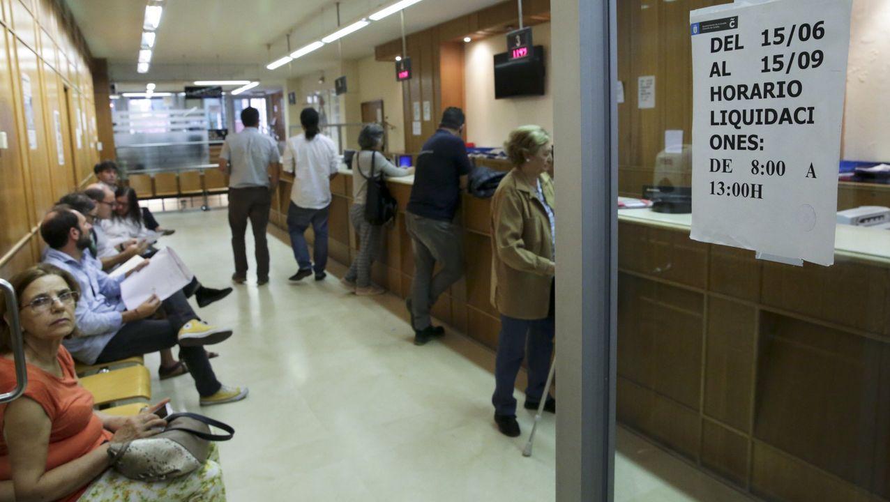 Foto de familia de los participantes en la jornada informativa sobre el sistema de pensiones.