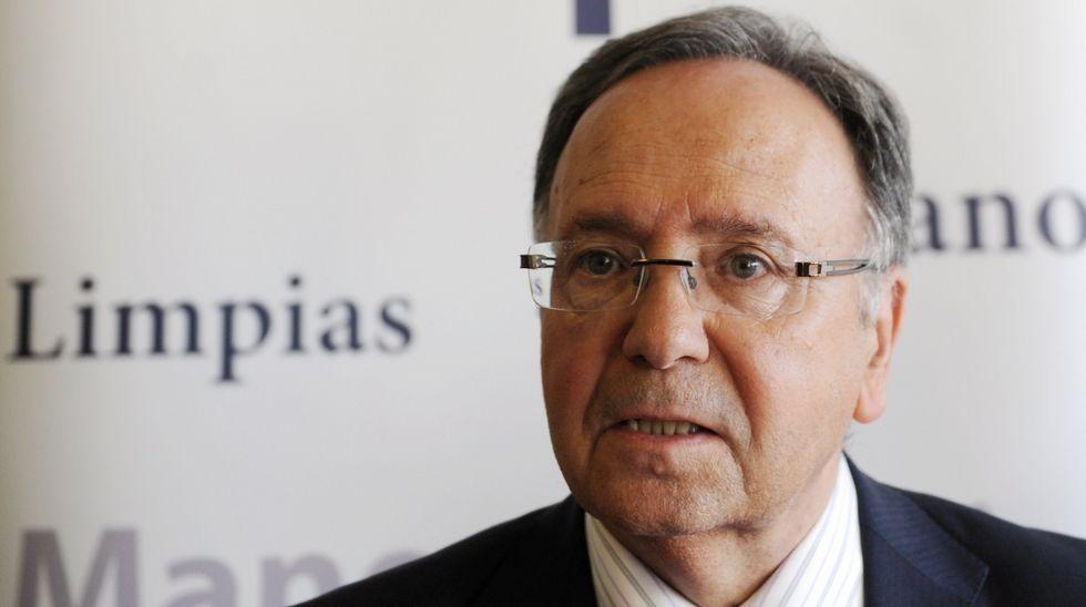 ausbanch.Luis Pineda, a la salida de un registro en la sede de Ausbanc en el año 2016