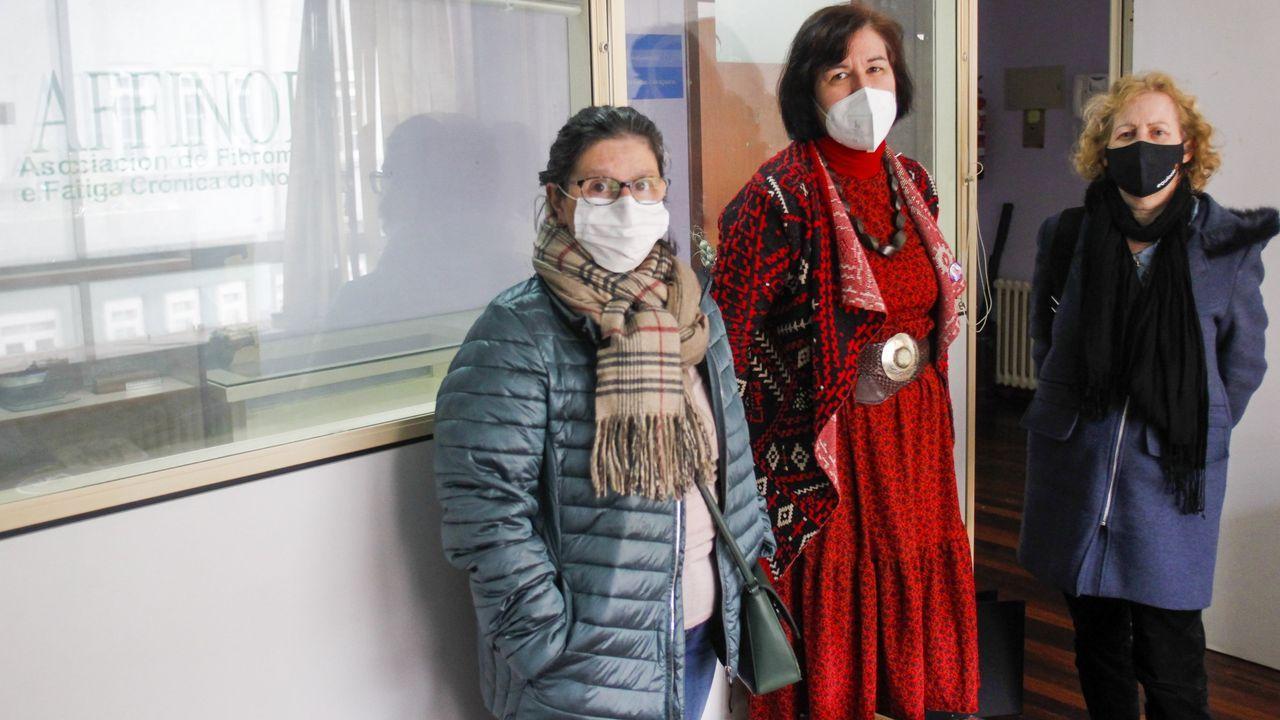 El viejo molino de Xuvia, en imágenes.Susana Graña , Elena López y Esther Guimare, de la Asociación Affinor y afectadas por fibromialgia