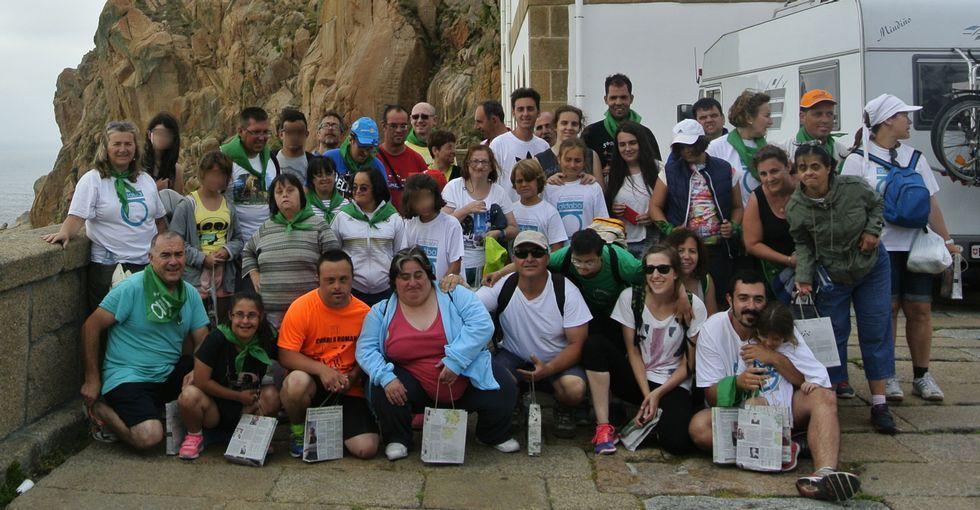 Los miembros de la expedición llegaron al Faro Vilán a media tarde, antes de volver a Cee en autobús.