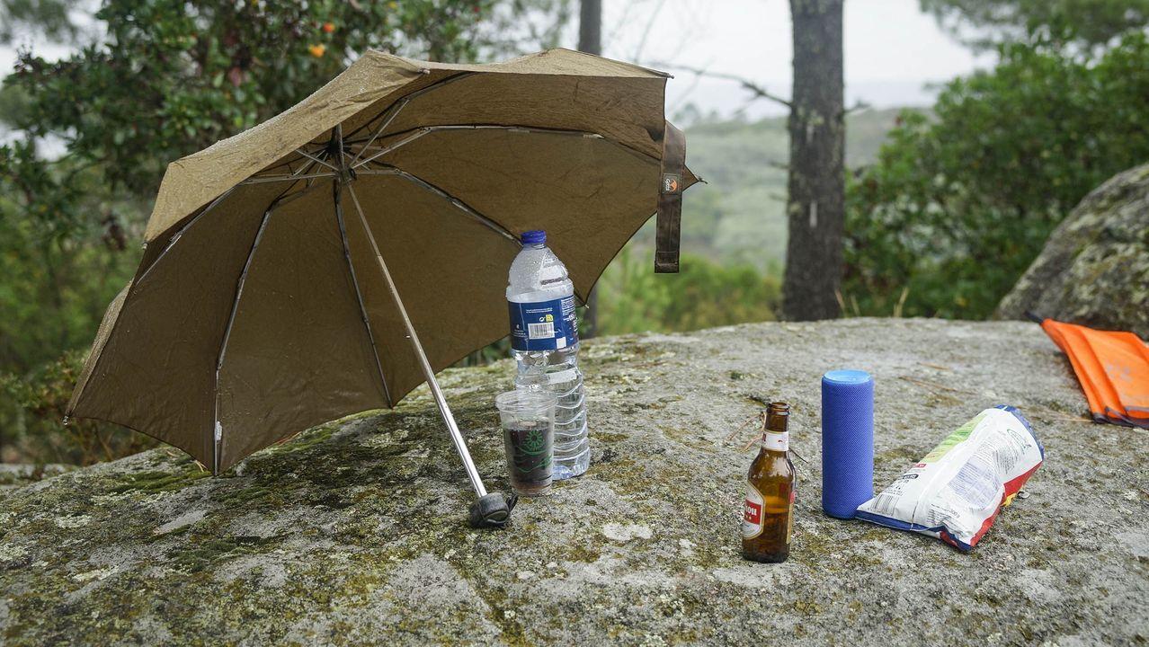 MAGOSTOS 2019.Magostos en Montealegre: los ourensanos que se acercaron este domingo a la zona portaban casi todos paraguas