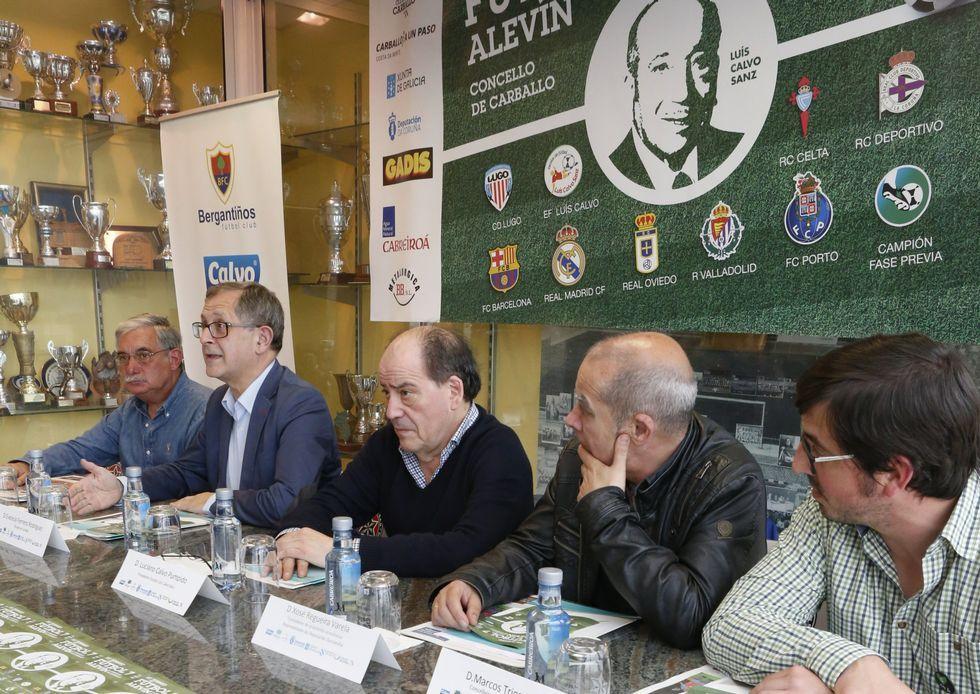 Costa Bergantiñá hace del fútbol base una fiesta.La presentación tuvo lugar en el campo carballés As Eiroas.