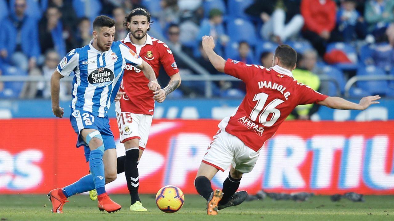 Las mejores imágenes del Málaga - Deportivo.Alineación del Real Oviedo ante el Deportivo