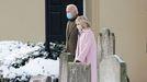 Joe y Jill Biden, tras el servicio religioso en el aniversario de la muerte de su primera esposa y su hija