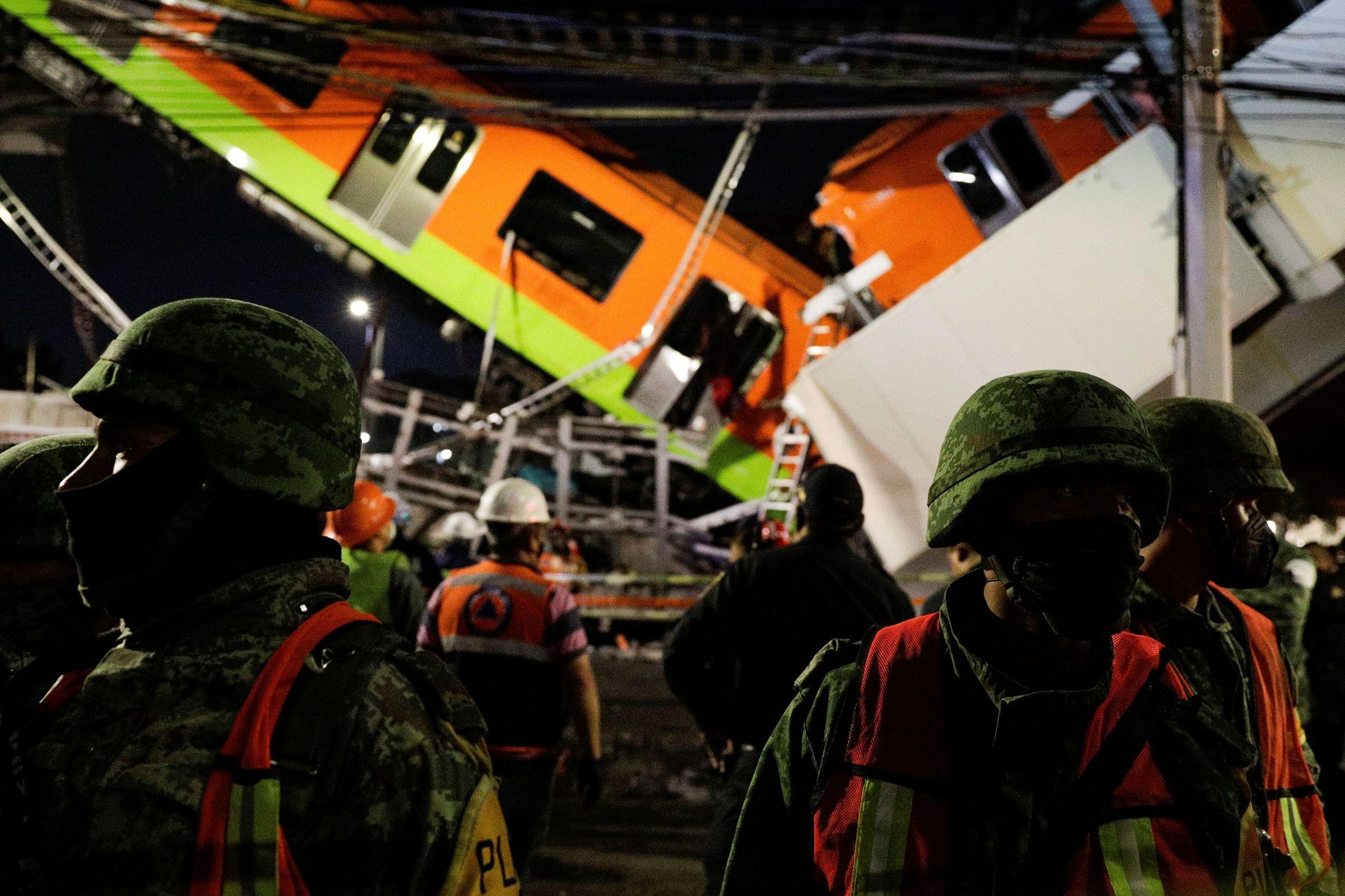 Derrumbe en el metro de Ciudad de México.Carlos Velo xunto a Gurriarán