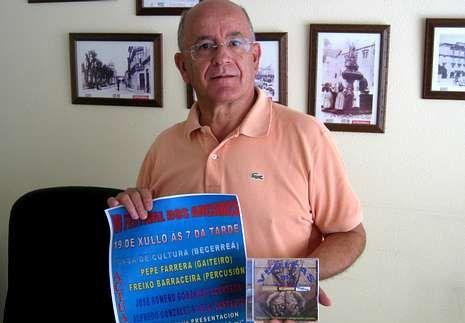 Alfredo González Vilela, co cartel do festival.