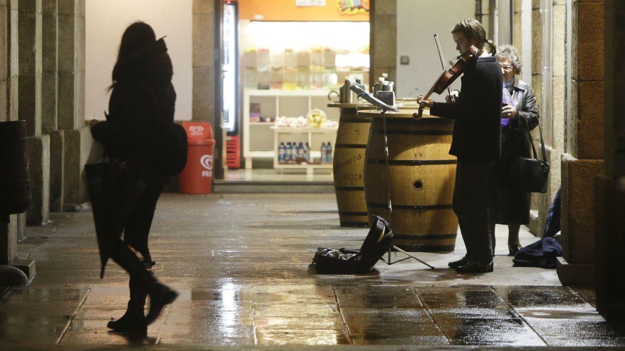 «Mientras caminamos por la ciudad, atentos a nuestros afanes vitales, acaso un violín nos punza el corazón deliciosamente» (Ortega y Gasset)