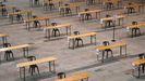 Las mesas estarán numeradas y separadas lateralmente por más de cuatro metros, y habrá al menos tres entre el puesto de delante y el de detrás