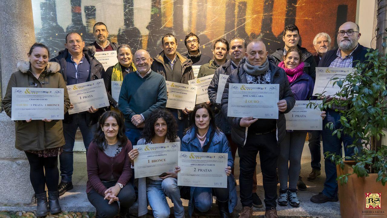 Representantes de las bodegas galardonadas recibieron los premios en el Centro do Viño da Ribeira Sacea
