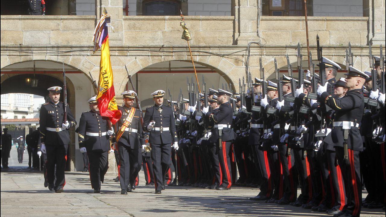 La Armada presume en Vigo de sus misiones en el extranjero.Robles, esta mañana en Bruselas, para explicar que la fragata española solo participaba en la conmemoración de la primera vuelta al mundo por mar