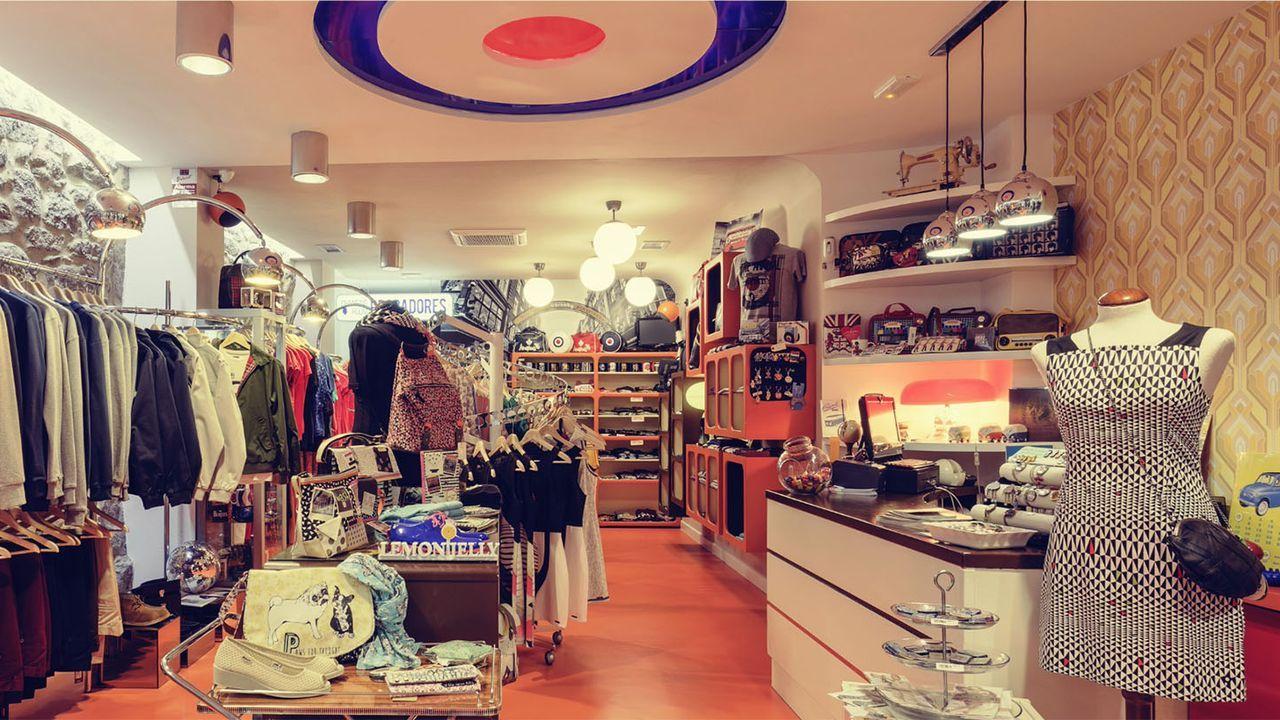 Carnaby. (Pontevedra). Moda retro, vinilos y complementos de decoración.