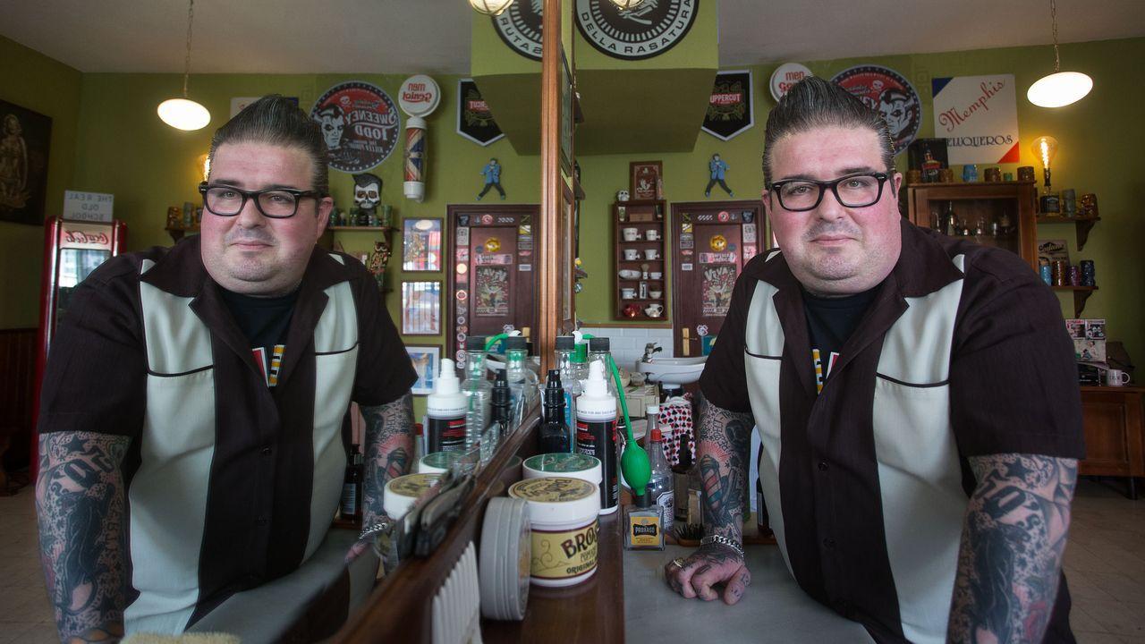 La Memphis Barber Shop cumple 25 años.Villar Janeiro na súa casa de Rianxo