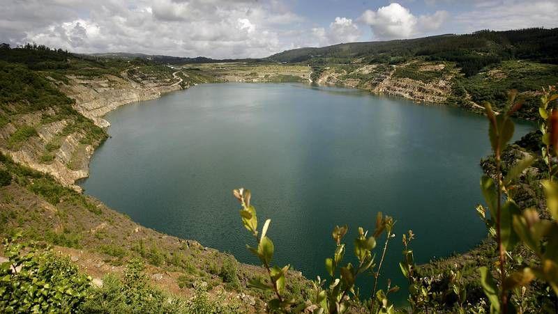 El lago ocupa la antigua mina de lignito