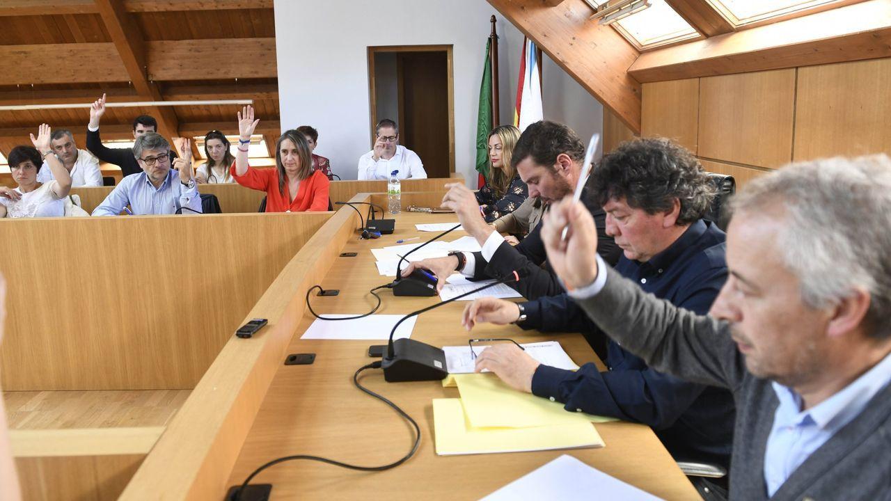 EN DIRECTO: Comparece la ministra portavoz María Jesús Montero.El presidente del Principado, Adrián Barbón