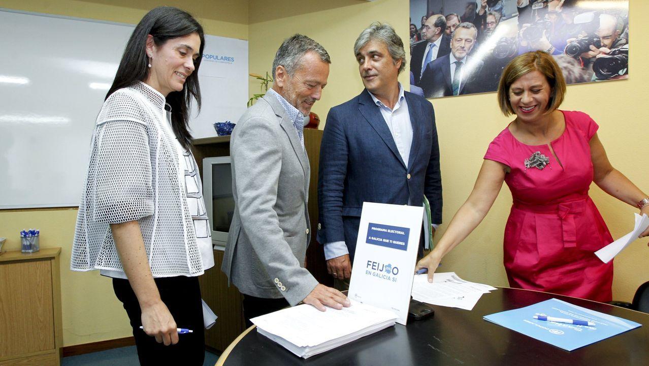 Pablo Casado acompaña a Núñez Feijoo en la apertura del curso político.Esperanza Aguirre dimitió de la presidencia del PP de Madrid el 14 de febrero del 2016 por «responsabilidad política», aunque, dijo, no tenía «ninguna responsabilidad material», ni podía «estar encausada en nada»
