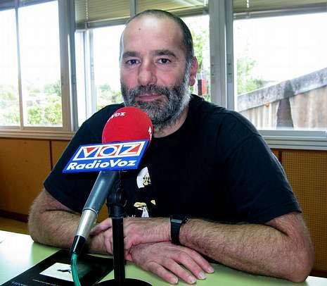Paco Souto presentou o certame de poesía erótica.