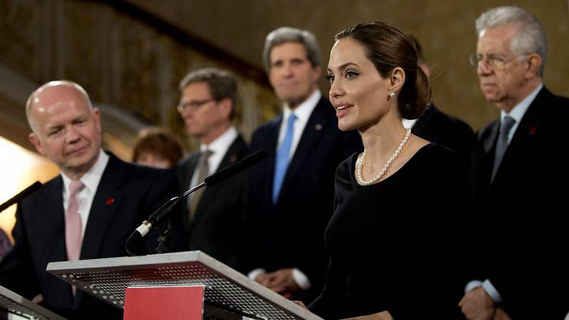 Angelina Jolie.SpaceShipTwo