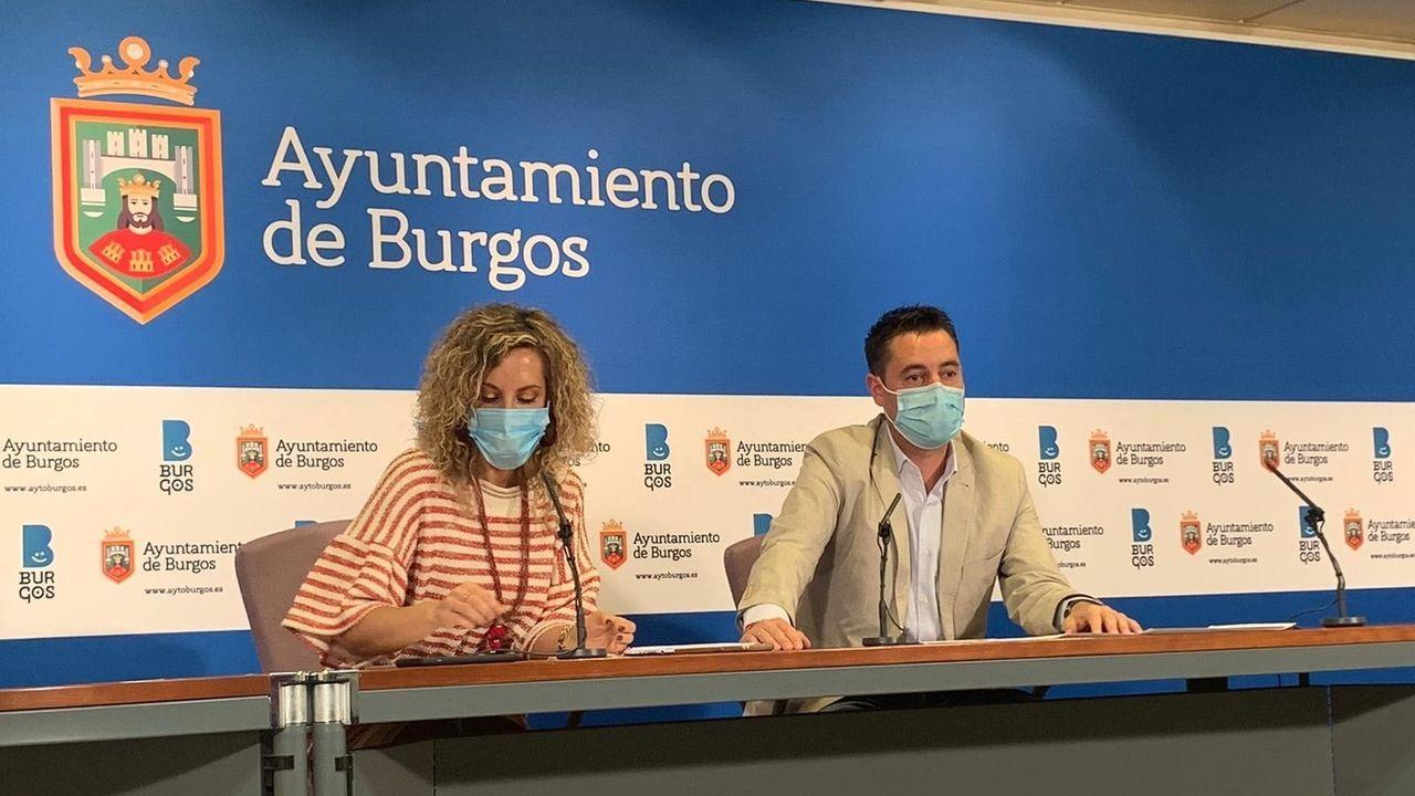 Daniel de la Rosa, alcalde de Burgos con Blanca Carpintero, concejal de Seguridad