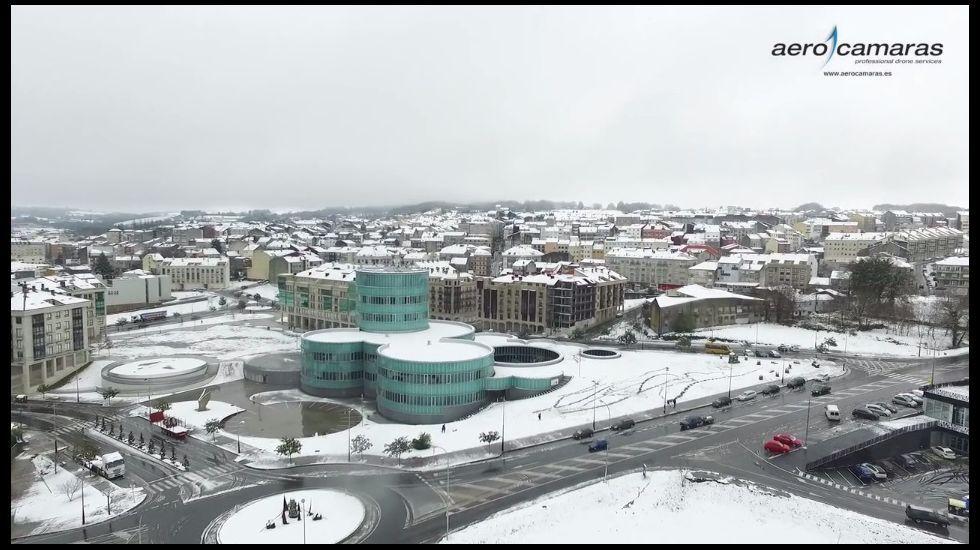 Vista aérea de Lalín nevado