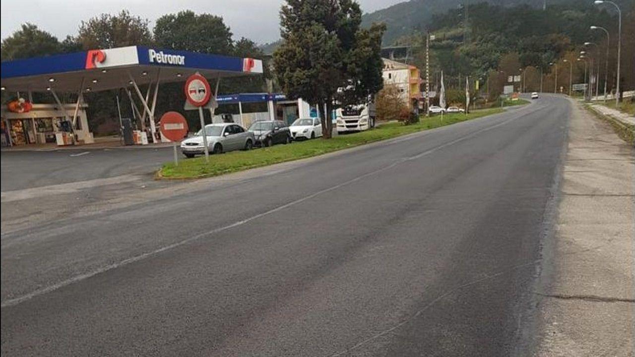 Sesenta días de alarma.El accidente tuvo lugar en el tramo de la N-120 que pasa por Quinza, en Ribadavia