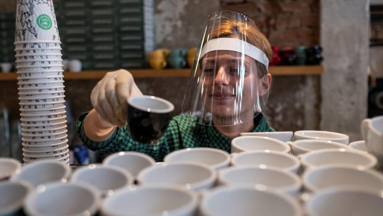 En Serbia han empezado a reabrir las cafeterías tras casi dos meses cerradas