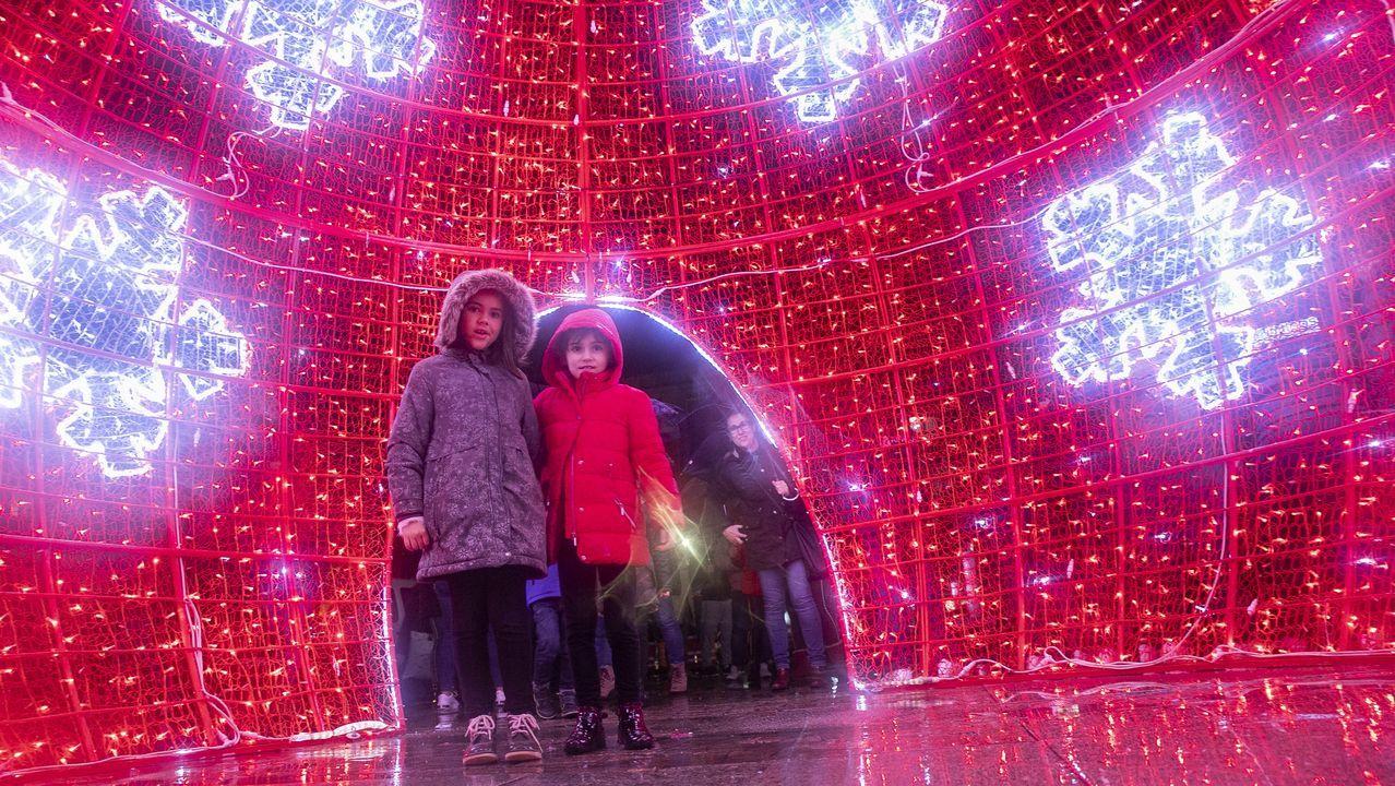 ¡Así fue el encendido de las luces de Navidad de Boiro!